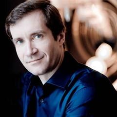 Profile of pianist Nikolai Lugansky by Peter Schlueer