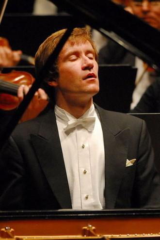 Porträt des Pianisten Nikolai Lugansky von Peter Schlüer