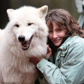 Interview mit Pianistin Hélène Grimaud über Wölfe von Peter Schlüer