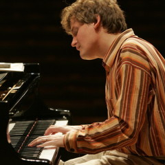 Interview with pianist Olli Mustonen by Peter Schlueer